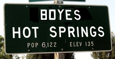 Boyes Hot Springs sign.