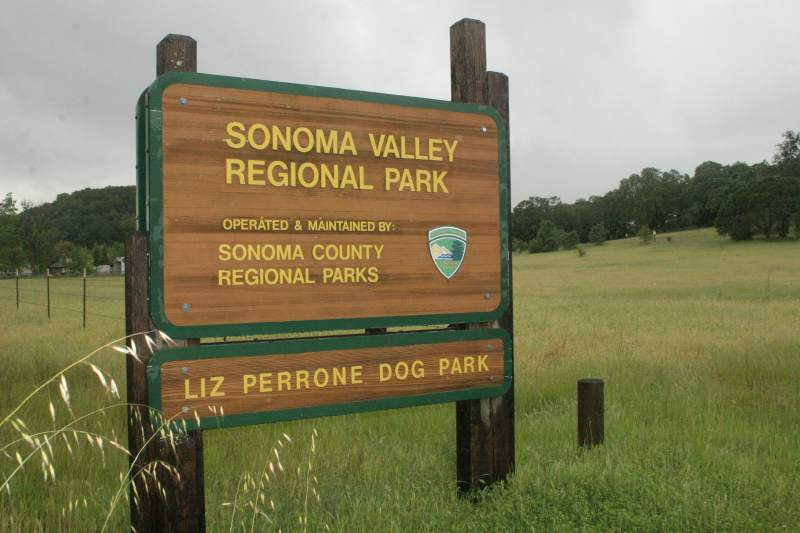 Sonoma Valley Regional Park sign.