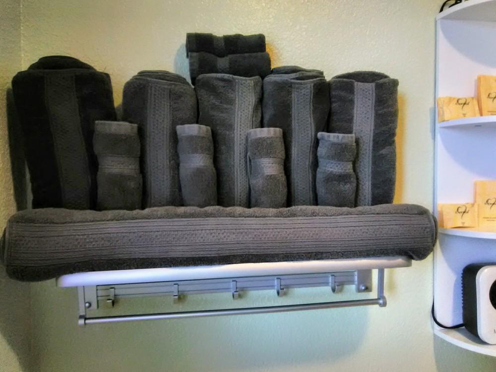 Clean bath towels, wash cloths, soaps and shampoo.